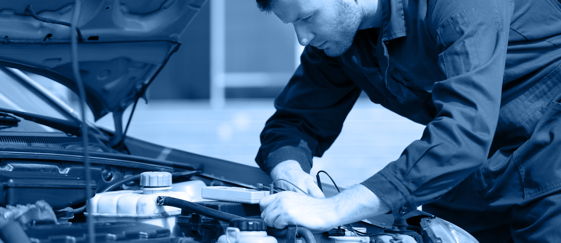 A mechanic Car Servicing Dartford